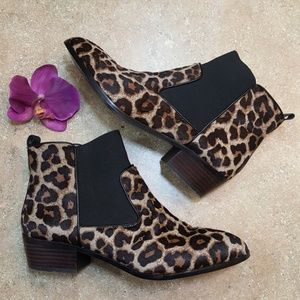 Yosi Samra Daryll Leopard Calf Hair Ankle Boots 9